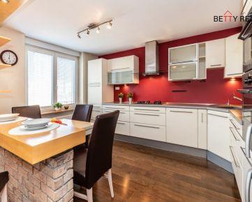 2i byt BA - Ružinov, Trenčianska, 72 m2, TEHLA, KLÍMA, ŠATNÍK, kúpeľňa s vaňou i sprchovacím kútom