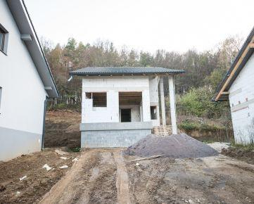 Ponúkame vám na predaj holodom, Vydumanec, Prešov
