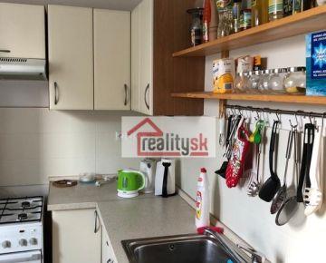 2 izbový byt s balkónom, Bratislava - Ružinov