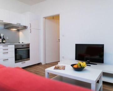Na prenájom 2-izbový zariadený byt s parkovacím miestom GaWEST
