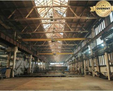 Skladovo-výrobný areál so strojárskou halou so žeriavmi. Coburgova ul.