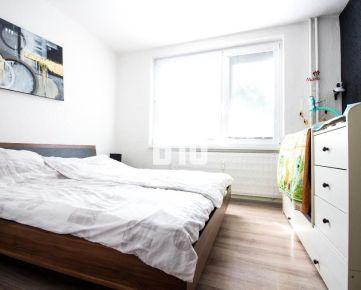 Útulný zariadený  2,5 i byt pre  rodinku v tichej lokalite