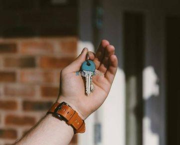 MAXFIN REAL - hľadáme pre klienta 1 izbový byt v Banskej Bystrici.