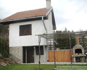 Romantická chata v krásnom prostredí záhradkárskej osady v obci Sološnica na predaj