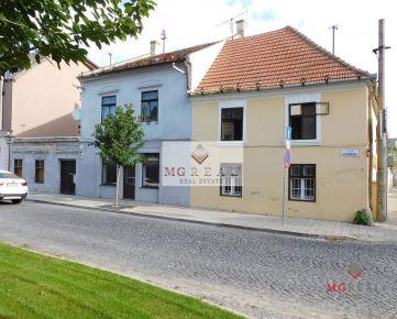 Na predaj 1162 m² pozemok v centre Trnavy s potenciálom skvelej investície