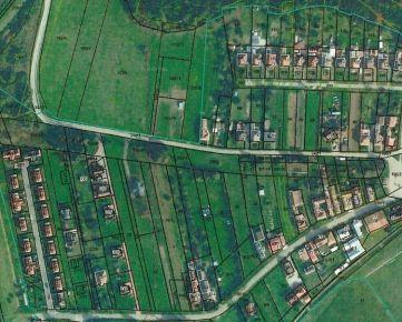 Atraktívne pozemky 1,13 ha medzi nádržou Bešeňová a VD Liptovská Mara