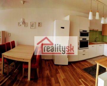 PRENÁJOM - exkluzívny 4-izbový mezonetový byt v lokalite Slavín / Horský park, s panoramatickým výhľadom na Bratislavský hrad