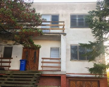 PREDAJ 5-izbového rodinného domu, Hlohovec - Sládkovičova