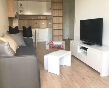 Prenájom 2-izbového bytu Apollis, Ružinov-BA