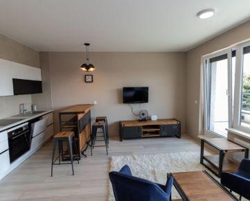 NOVOSTAVBA 1 izb. bytu v CENTRE mesta s 10m2 terasou a parkovacím miestom