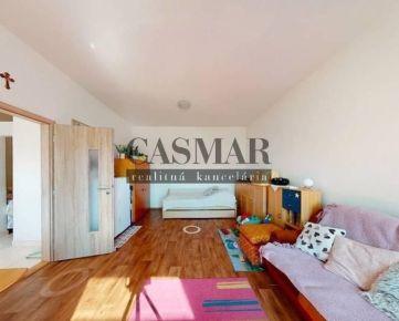 VIRTUÁLNA OBHLIADKA / Veľký 1,5 izbový slnečný byt v centre mesta