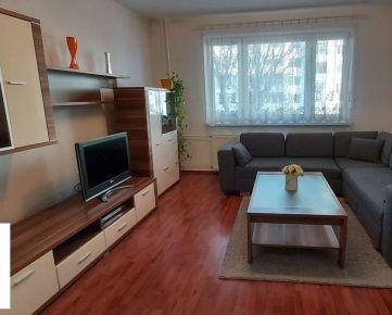TRNAVA REALITY - ponúka na prenájom pekný zariadený 2-i byt v Trnave na sídlisku HLINY
