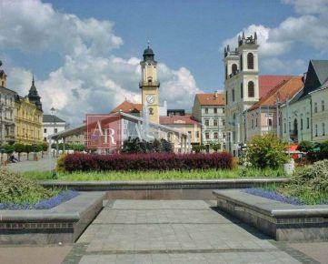INVESTIČNÁ PRÍLEŽITOSŤ ! historická budova v CENTRE mesta B. Bystrica