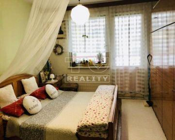 Predám zariadený 3 izbový byt Trenčín Juh 75m2. CENA: 104 000,00 EUR