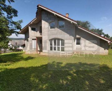 Exkluzívne na predaj rozostavaný rodinný dom, Petrovany