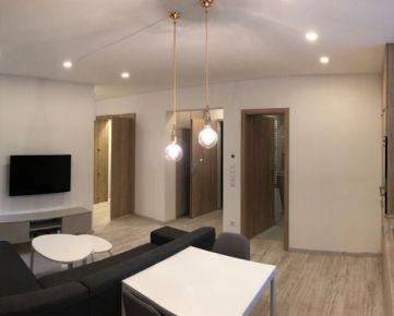 Prenájom 1,5izbový moderný kompletne zariadený byt centrum