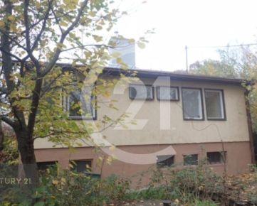 Prenájom starší dom s garážou Nitra, za OC Mlyny-  Kalinčiakova ulica