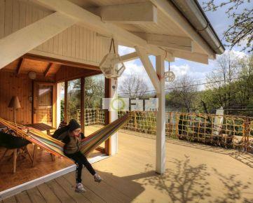 Rekreačná chata na brehu tajchu