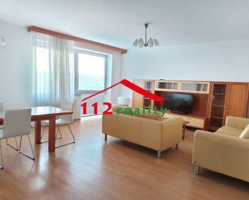 PRENAJATÉ -  veľký 4  a 1/2 izbový byt 160m2,  2 terasy, 2 kúpeľne, 2X parkovanie, Hany Meličkovej