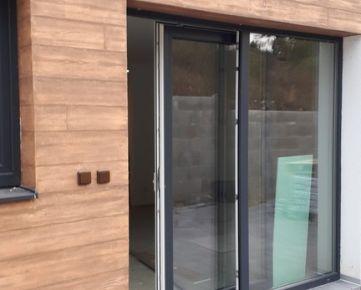 Ponúkame na predaj v lokalite Zemplínska Šírava tri novostavby -rekreačné  domy