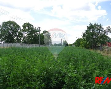 Predaj pozemku 1387 m2 Veľký Meder - Ižop