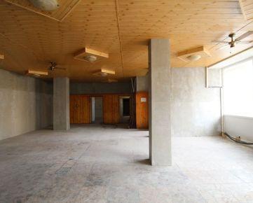 CASMAR RK ponúka na prenájom obchodný priestor v centre Trnavy