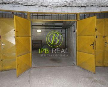 CENA S PROVÍZIOU! Ponúkame na predaj samostatnú garáž v garážovom dome na Pionierskej ulici!