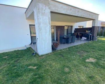 Na predaj rodinný bungalov v Studienke v okrese Malacky.