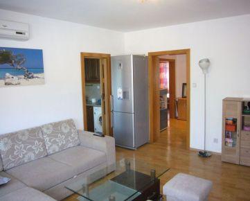Ponúkame do prenájmu zariadený 3-izbový byt na Mierovej ulici v Bratislave – Ružinov, časť Prievoz.