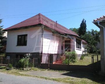 Menší domček na chalupu v pokojnej dedinke pri Lučenci