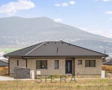 Rezervované – skolaudovaný 4i bungalov s výhľadom na Zobor