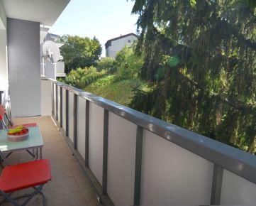 PREDAJ 2 IZB. BYT, slnečný, výhľad do zelene, 63 m2 DROTÁRSKA CESTA ,BRATISLAVA,STARÉ MESTO