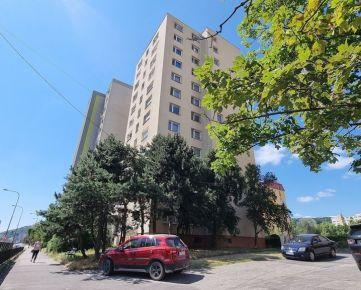 PREDAJ - nebytové priestory v BA-Dúbravke, Saratovská ul.