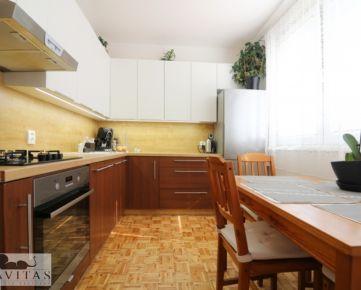 Na predaj zrekonštruovaný 3- izbový byt v centre Vrakune na Toryskej