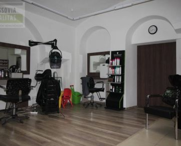 Obchodné priestory, služby, prenájom, Hlavná, Prešov