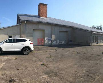 REZERVOVANÝ Výrobno/skladová hala, 285 m2, + 10 parkovaní, B. Bystrica