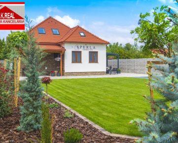 Ponúkame na predaj 5-izbový rodinný dom na ulici Rákocziho v centre Dunajskej Stredy v bezprostrednej blízkosti termálneho kúpaliska Thermalpark Dunajská Streda.