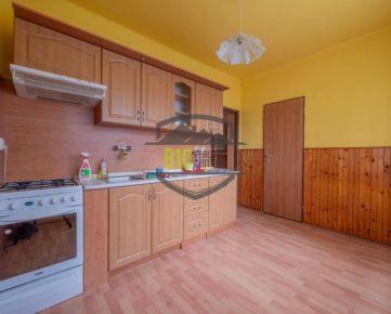 3 izb. byt s výmerou 106 m2, vlastné kúrenie, loggia 4 m2 v Trnave