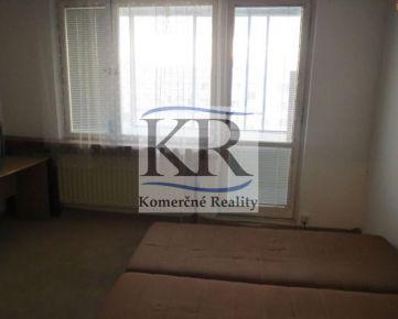 Hľadáme pozemok s výmerou minimálne 800 m2 v blízkom okolí mesta Trenčín