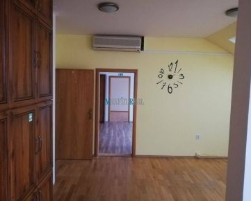 MAXFIN REAL - 3.kancelária s možnosťou rozdelenia v centre Nitry