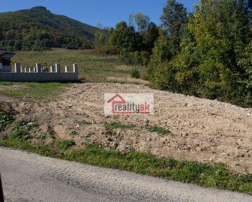 Pozemok pre rodinny dom v obci Vrícko 930m2