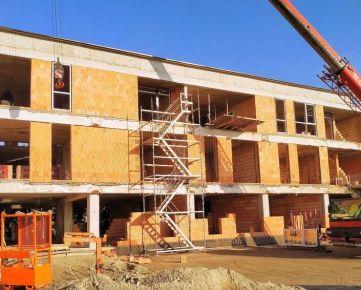 CASMAR RK ponúka 2 izbový byt s predzáhradkou v projekte CITY GARDENS