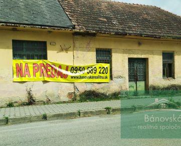 Veľké Chlievany - pozemok so starou budovou na predaj