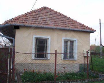 Domček na predaj v dedine Maňa