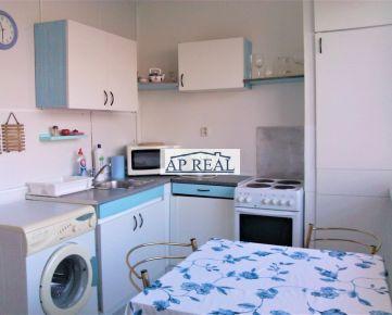 1-izbový zariadený byt na prenájom so samostatnou veľkou kuchyňou