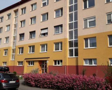 Nebytový priestor na prenájom v BA V, Petržalke (Lúky), Holíčska ul.