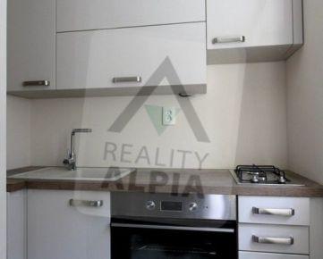 Tehlový 1-izbový byt, /39 m2/, Žilina - CENTRUM