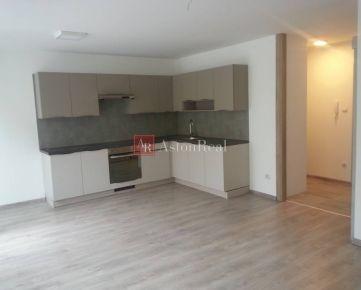 Mezonetový 3 izb. byt 95, 51 m2, Novostavba s balkónom a garážou Vrútky