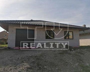 Na predaj bungalov hrubá stavba v Košeci, 444 m2 záhrada, zastavaná plocha a nádvorie 160 m2. CENA: 140 000 €