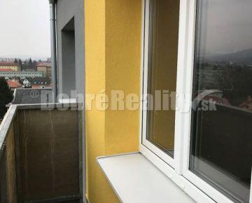 Na   predaj kompletne prerobeny a zariadený  1 izb. byt s balkónom